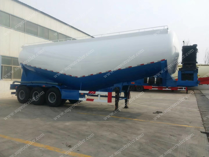 Powder bulker trailer